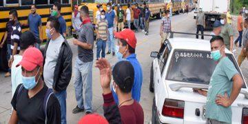 Taxistas podrian realizar caravana para conseguir vacunas. RCV