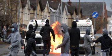 Los enfrentamientos entre los protestantes y católicos en Irlanda del Norte ha sido por años. RCV