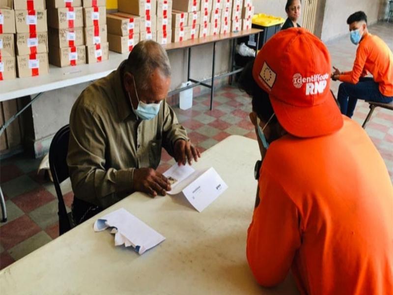El RNP le da la prioridad al adulto mayor en la entrega de la DNI