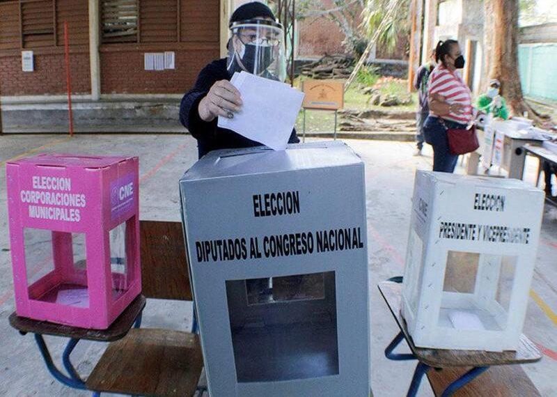 Hace dos años se estaba discutiendo la elaboración de la nueva Ley Electoral. RCV.